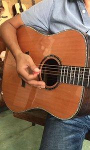 今天继续发新手扫弦节奏型,这个是一个常见右手节奏,学会这招今天今年就能弹吉他了,请各位朋友反复练习#吉他教学