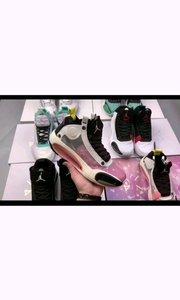 """#乔丹/Air Jordan AJ34 Air Jordan 34 """"Eclipse""""乔34日食配色  鞋身以简洁的黑白两色为基调。鞋款最大特点是后跟叠影样式的 Jumpman Logo,契合 """"Eclipse"""" 日食主题。"""