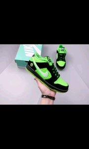 """慈善联名款❗️""""【嘀~】""""独家【嘀~】? 球鞋定制玩家 Drü Barrios,以【嘀~】为主题带来一双定制球鞋作品 Nike Dunk SB"""