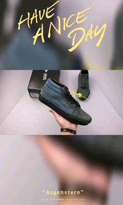 #余文乐主理品牌Madness联名‼️Madness x #Vans SK8-Mid 余文乐 黑蓝麂皮中帮硫化板鞋该鞋款是余文乐主理品牌Madness与Vans在2017年携手推出的重磅联名