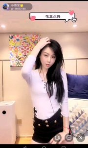 @小雨宝?fandy #性感不腻的热舞 所谓知性美人,只是拨动一下长发,就能用汹涌澎湃的魅力征服每个人的心