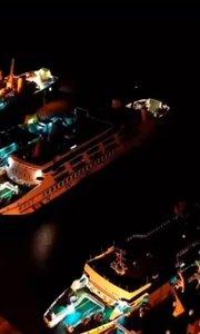 夜深了,徐闻项目前的港口依然忙碌著