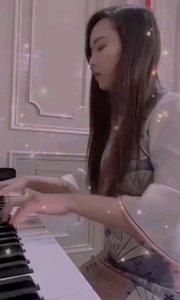 来交课后作业了? 钢琴曲《梦中的婚礼》