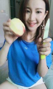 哪个小哥哥教我削苹果啊,太难了