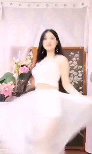 #我怎么这么好看  @晴子512 梦中婚礼,少了一位穿白裙的姑娘