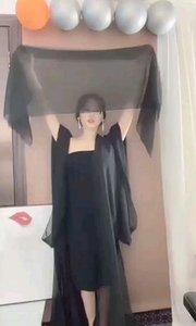 """#性感不腻的热舞  @王温馨"""" 致命的黑纱极致的诱惑,无法不沉醉在她的漩涡中"""