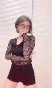#性感不腻的热舞 #我怎么这么好看 #主播的高光时刻  @西?柚? 知性与性感两种完全不同的气质居然在她身上完美 的融合在了一起,尤其那黑色透视上衣更加让人热血沸腾