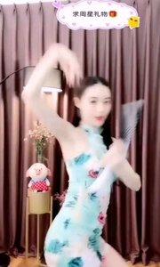 #性感不腻的热舞 #我怎么这么好看  @夏·妃 ?? 性感灵动,每一分一秒都是那样的完美,舍不得眨一下眼,就怕有哪帧就错过了