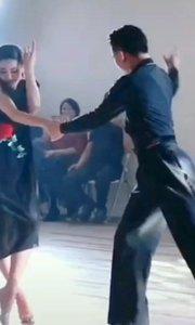 #跳一支开年舞 ???