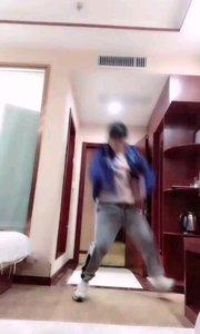 @纹•空 会跳舞的小哥哥更撩人呢