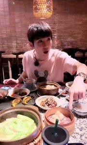 #主播的高光时刻  @陈齐乐丶LELE 看小哥哥吃播有没有很舒服,想偶遇,求地标