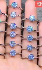 925顶级莫桑钻戒指✨ 主石:1克拉