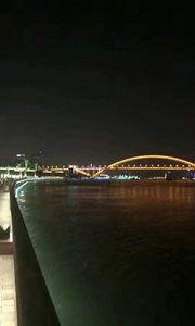 上海滨江滑板公园……