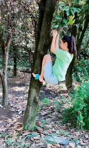 #搞笑呵哈嘿 我就想好好挂在树上,做好我本职工作迷惑行为