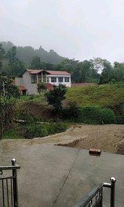 #又嗨又野在玩乐 农家小院,下雨的天气