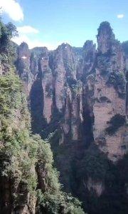 乘坐张家界世界第一白龙天梯,观世界最美壮观风景!蒋军列队观景台!喜欢就双击加关注哦!