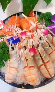 感恩生命中遇到的每一个人,有你们的陪伴让我的人生才会更加精彩晚[愉快]囍福记顶级刺身篇:三文鱼、牡丹虾、玫瑰虾.北极贝、、斯干比,鹅干,