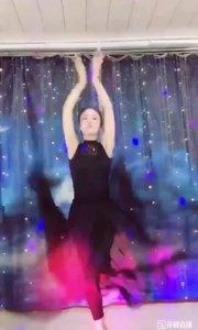 #爱跳舞的我最美 #性感不腻的热舞 #主播的高光时刻 @✨火爆猴? #一个眼神撩到你!