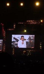 分享  李宗盛演唱会 老头61岁了 连续唱3个小时也是厉害  #娱乐影视八卦 #弹唱最治愈