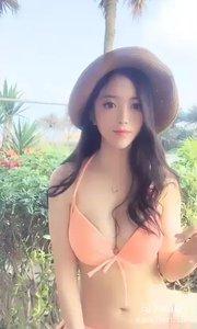 @我的野蛮女友周周(104317366)比基尼美女在惠东海边,去偶遇咯?身材一流,回眸一笑足以令你一生难忘???