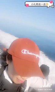 @毛里求斯黑妹儿(156797855)美女驾驶着快艇在印度洋上飞驰???