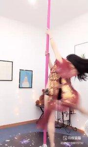 @小P钢管舞(188815732)小P正在进修钢管舞,预计本月16号回来直播,喜欢钢管舞的来给小美女给个关注?