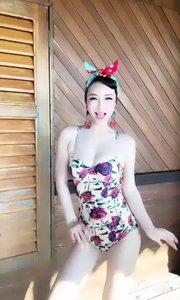 @鑫大宝热舞Baby(133399913)性感韩舞-Ice Cream???在40多度的高温下跳舞,头发一直湿着?辛苦大宝?
