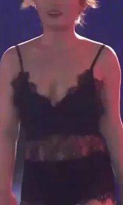 #花椒星闻 #最美天使 @最美天使总决赛 最美天使20进10@钟小姐 ? 比基尼走秀?