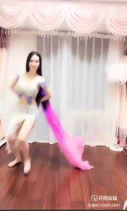 #性感不腻热舞 #甜品公主 @甜品公主?? 甜品公主在众神秘人强烈要求下,献上非常精彩的扇子舞?