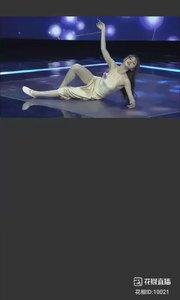 #2019巅峰之战 #爱跳舞的我最美 #妙音如水 @妙音如水? 2019巅峰之战舞王之争4进2 现代舞-消愁1?
