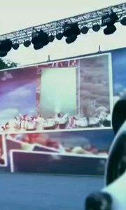 """#花椒星闻 @花椒热点   高大美@悦姑娘GDM 应邀前往.2020·佛坪第十一届大熊猫文化旅游节,现场花椒直播整个过程。 【嘀~】举行陕西省文化扶贫巡演—走进佛坪;8月8日举行熊猫谷之夜演唱会;""""主播带你游佛坪""""直播活动。 秦岭和合南北,泽被天下。佛坪世代守护,青山绿水常驻。这个夏季,看秦岭之美,赏秦岭四宝,听秦岭之声,乘秦岭之风......2020·佛坪第十一届大熊猫文化旅游节将于【嘀~】拉开序幕,佛坪等你来。 本次节庆活动的主题是""""全域旅游促发展,乡村振兴谱新篇""""。开幕式于【嘀~】晚19:30—21"""