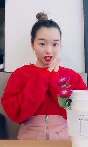 在家旁边的网红咖啡店拍。被韩国人用奇怪的眼神看了超久哈哈哈哈哈哈?