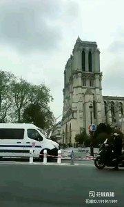 火灾之后的巴黎圣母院