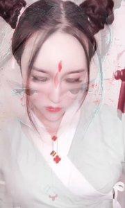 #春日桃夭美人 汉服大赏:袄裙#新人报道请多关照 @颜值频道主编