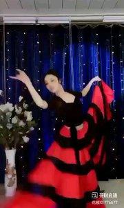 #花椒星闻 #性感不腻的热舞 #主播的高光时刻 #我的秋日穿搭 #我怎么这么好看 #身边正能量 #我的周年庆典          昨晚是近期花椒《舞林大会》获奖者@✨火爆猴? 西班牙斗牛舞专场。虽经过一个多月辛苦的《舞林大会》拼战,@✨火爆猴? 在短时间内快速恢复。昨晚数十支斗牛舞支支劲爆,直播间直呼太美了、美翻了。你不花一分钱可以尽情的观看,你还可以点歌,这么精彩的专场在一般县级市你看不到,在地级市你很少能看到还要几十RMB,在这里还有古典敦煌舞、傣族舞、民国舞、芭蕾舞、爵士舞......(๑•॒̀ ູ