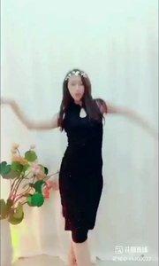 #花椒好舞蹈  最美展台,这气质你喜欢吗? #颜即是正义 #萌力出击 #我和秋天 #又嗨又野在玩乐