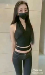 #口罩眼神杀挑战  #性感美女#牛仔裤有形好看,值得点赞?