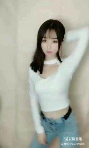 #颜即是正义 #花椒好舞蹈  #性感美女#皮肤白皙的美女,是你心中的女神么?