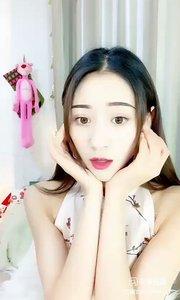 @舞者欣宝er(106999111)欣宝er的舞姿,优美而流畅,肢体的舞动,寸寸到位,观看价值很高,哈哈小白兔我认识。