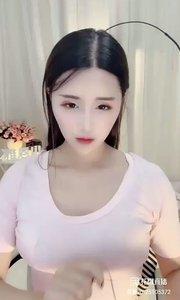 @恩雅Nya(25105372)一个女孩,一旦你看久了?会不会喜欢上她,这个问题还有在研究,恩雅Nya绝对是这种女孩。