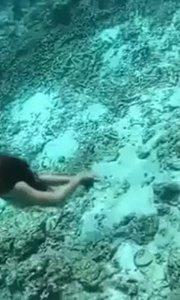 么么哒? #女神范儿 365度无死角的美,即便是在海底。#户外动起来