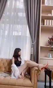 #女神范兒  美的事物不分界限 大家共同分享。 #全站最美美腿  #手機腿大挑戰