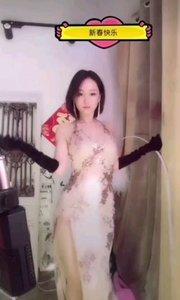 @L 喜庆(159177400)隐隐约约更显性感