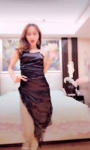 舞王@姚小妖(66669991)跳的太美了!人如其名,跟小妖精一样呢