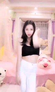 @萌妮(161161616) 梦幻中还带着一丝小俏皮,可爱又甜美
