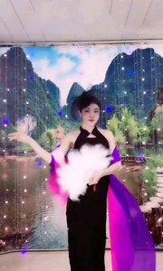 @火爆猴(776677)音乐响起的瞬间,立马回到的大上海舞厅,灯红酒绿红玫瑰白牡丹那的时代