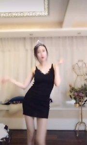 @哎呦我仙(66867168)修身小黑裙,性感小舞姿妩?#30007;?#31070;态,着?#31561;?#20154;欲罢不能!