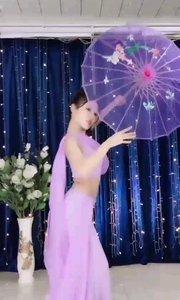 #性感不腻的热舞  @✨火爆猴? 伞下美人,优雅而高贵,柔和而美好