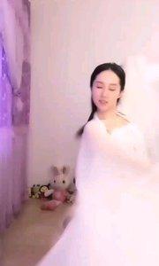 #性感不腻的热舞  @??唐心怡 持扇白衣美人,柔弱多姿,一舞惊鸿艳花椒