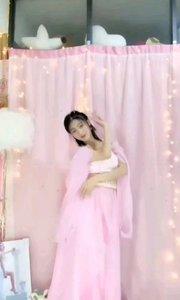 #我怎么这么好看  @馨妍????? 九重天上偷跑出来小仙子,俏皮可爱不失仙子的气质